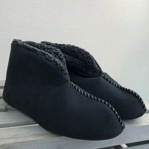 Mens Black Pull On Bootie Slippers Sz 9/10